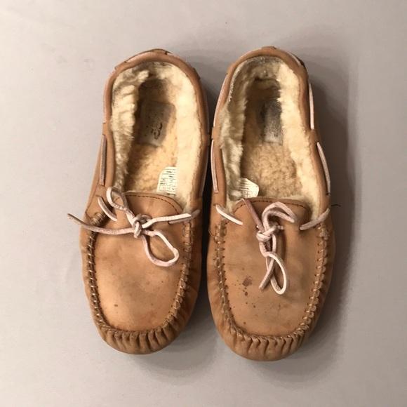 80dd50b5758 UGG Sz 8(39) Tan Loafers w/ Pink Lace